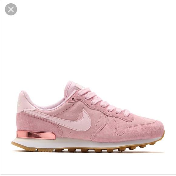 sale retailer d18a1 90d34 Nike Internationalist Shoes. M 5bf1ef05a31c336be0f22a3d